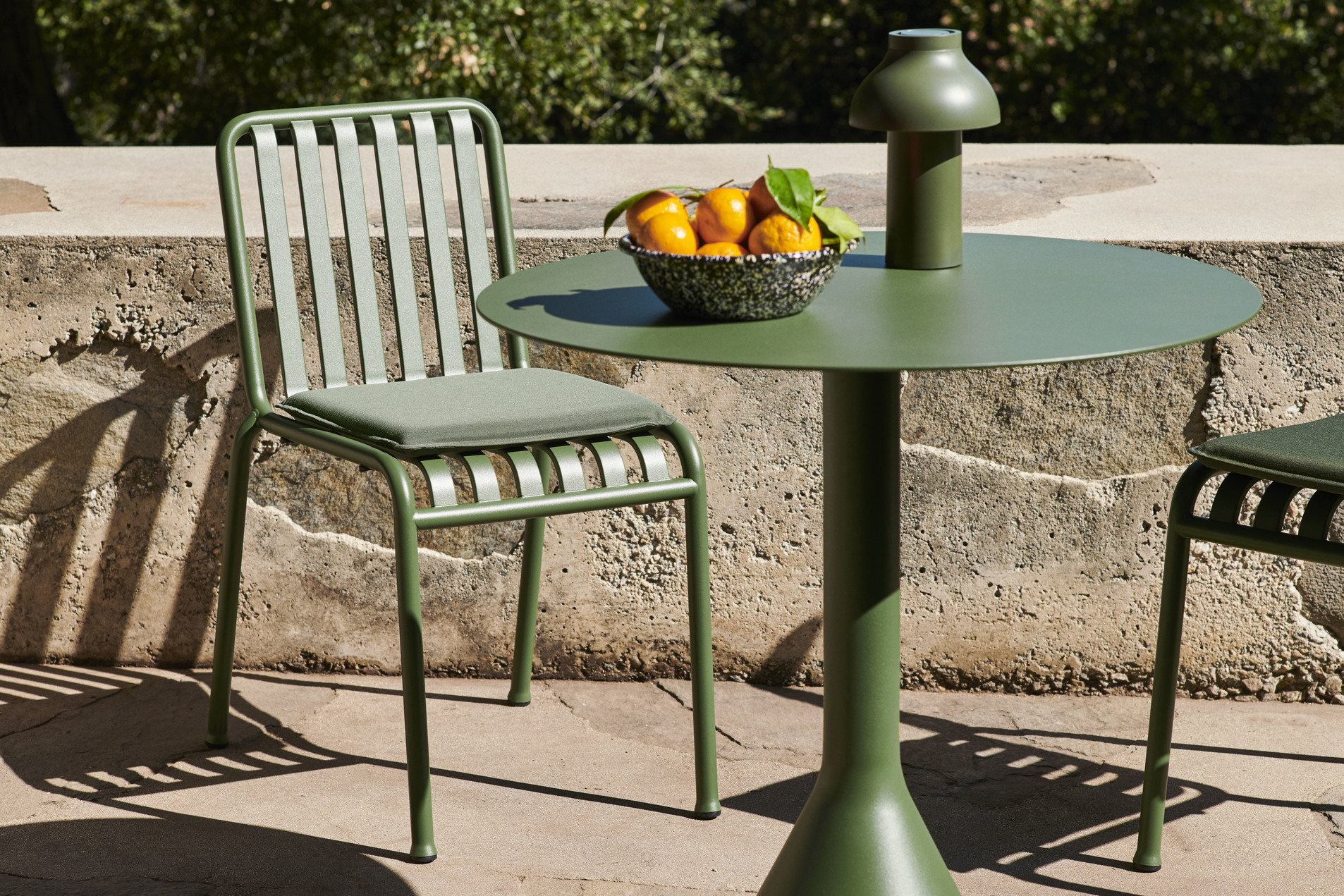 Palissade Chair olive_Palissade Seat Cushion olive_Palissade Cone Table olive_PC Portabl